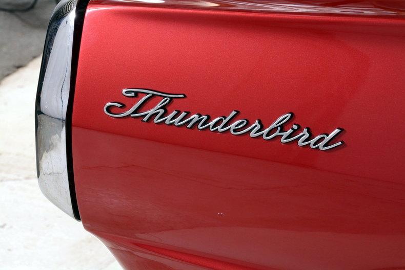 1965 Ford Thunderbird Image 19