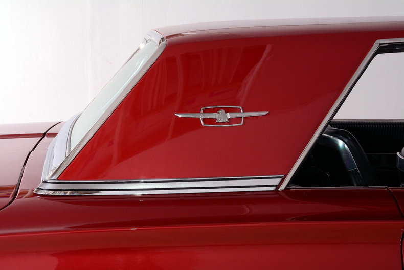 1965 Ford Thunderbird Image 22