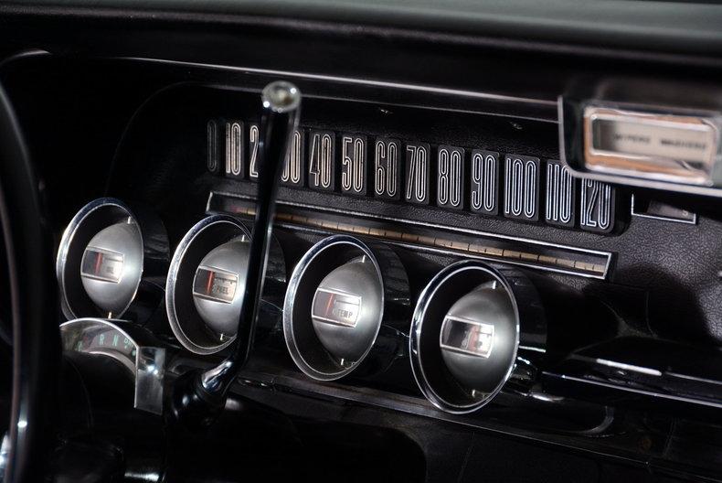 1965 Ford Thunderbird Image 23