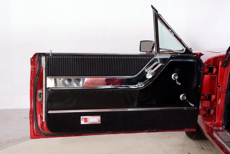 1965 Ford Thunderbird Image 31