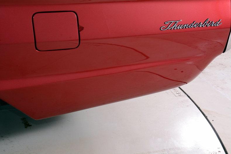 1965 Ford Thunderbird Image 32