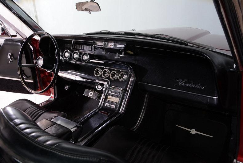 1965 Ford Thunderbird Image 34