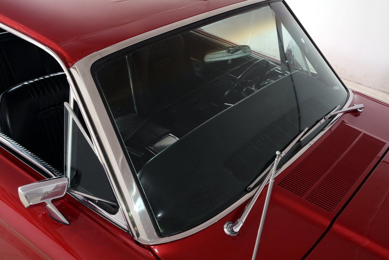 1965 Ford Thunderbird Image 35