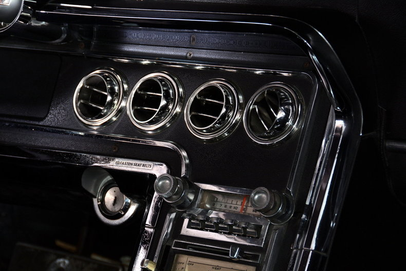 1965 Ford Thunderbird Image 42