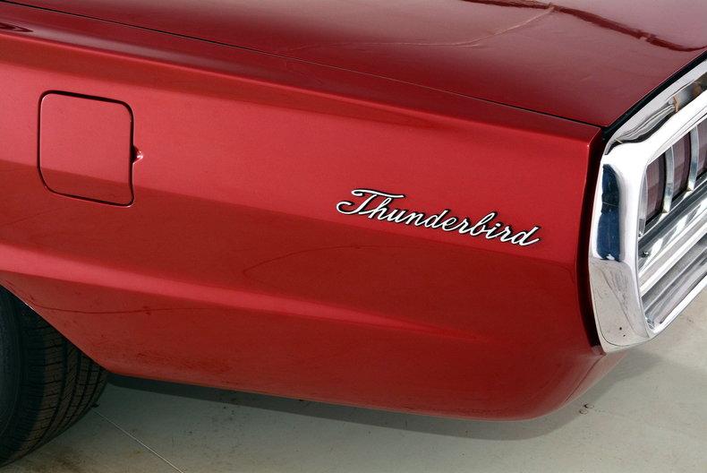 1965 Ford Thunderbird Image 48