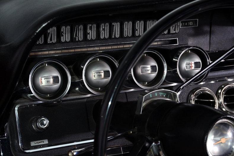 1965 Ford Thunderbird Image 73