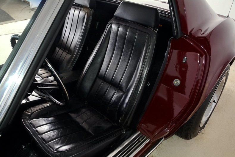 1969 Chevrolet Corvette Image 12