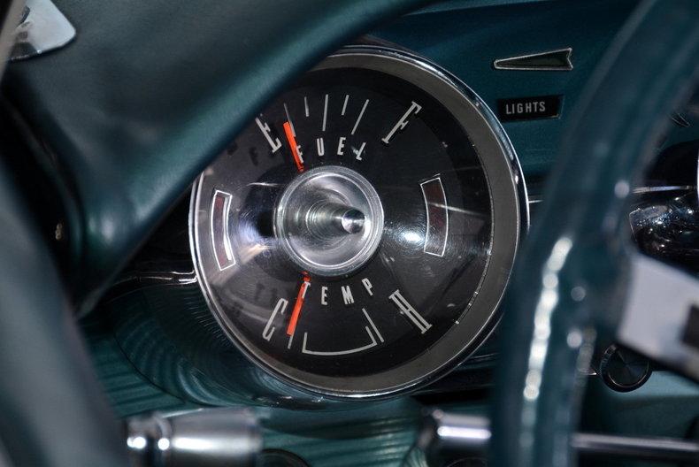 1963 Ford Thunderbird Image 12
