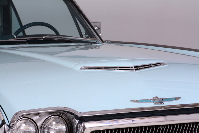 1963 Ford Thunderbird Image 15