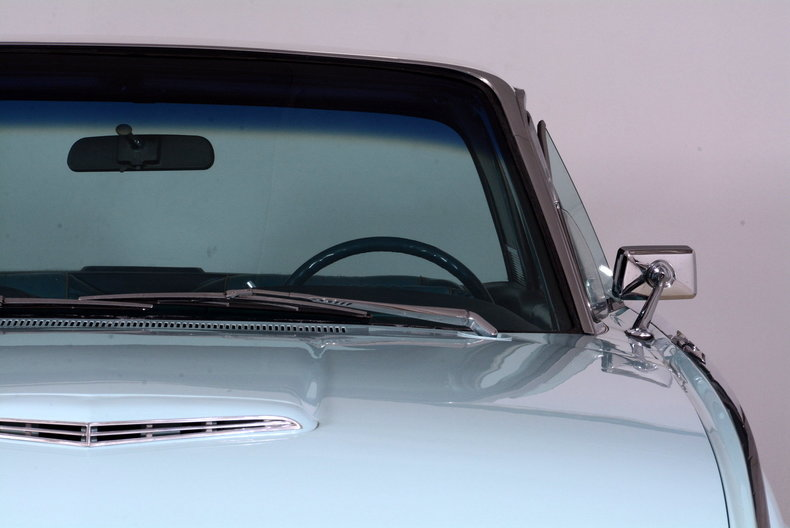 1963 Ford Thunderbird Image 34
