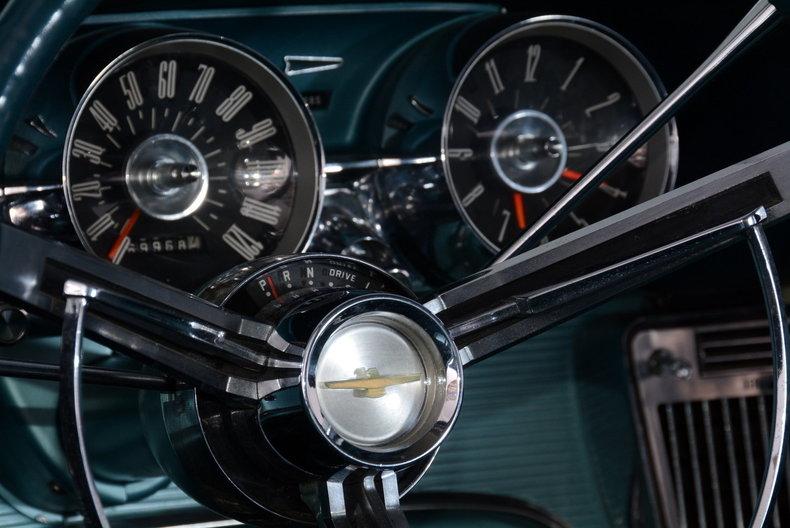 1963 Ford Thunderbird Image 36