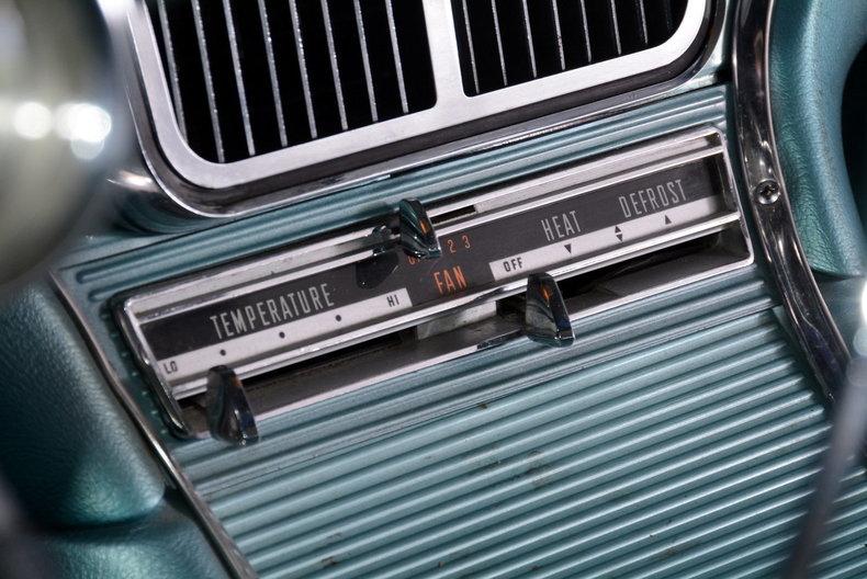 1963 Ford Thunderbird Image 43