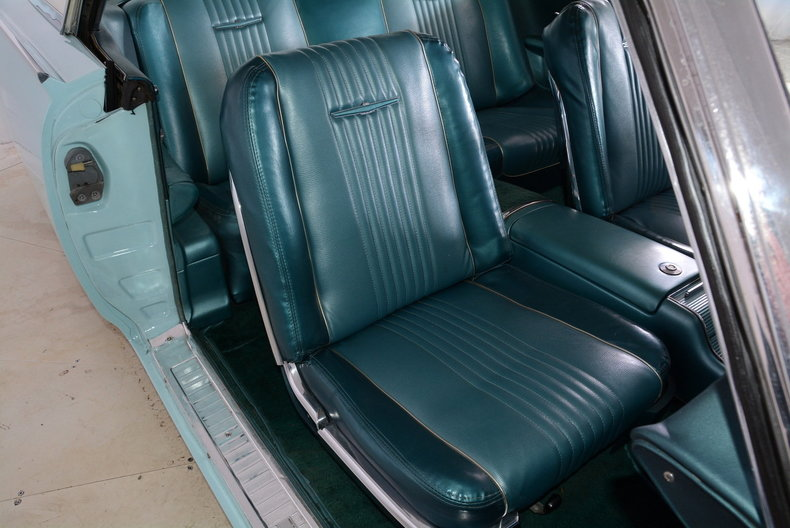 1963 Ford Thunderbird Image 46