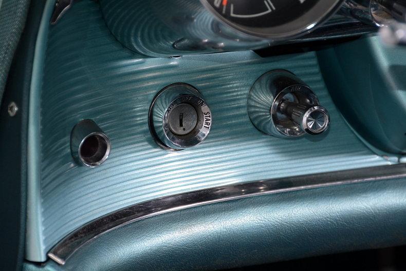 1963 Ford Thunderbird Image 59
