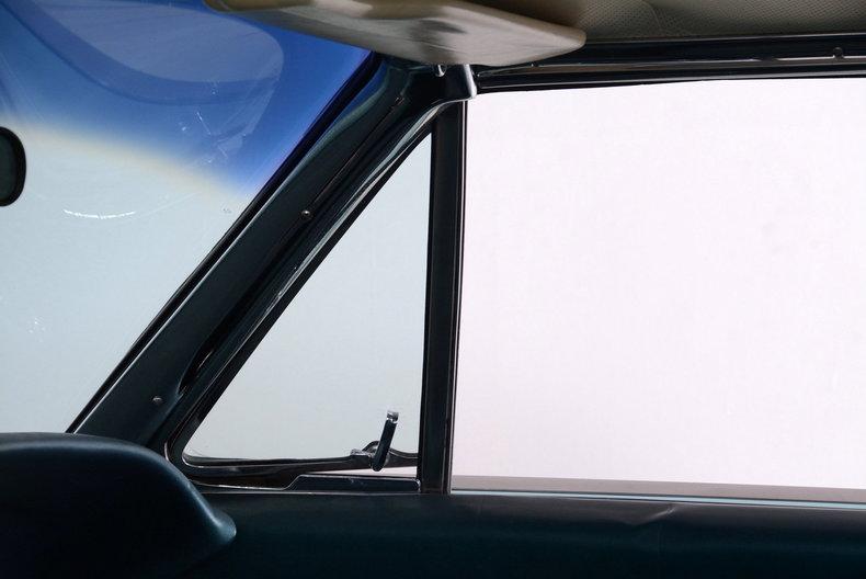 1963 Ford Thunderbird Image 68