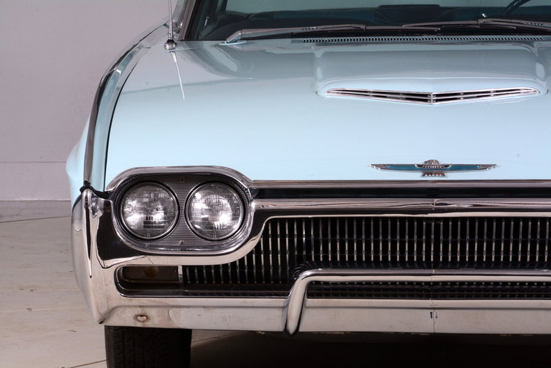 1963 Ford Thunderbird Image 74
