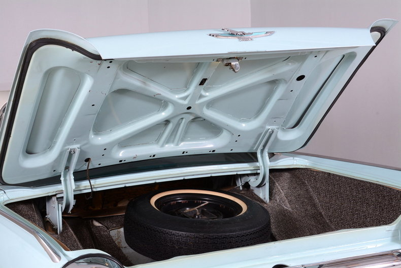 1963 Ford Thunderbird Image 86