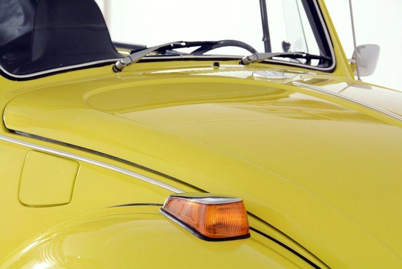 1971 Volkswagen Super Beetle Image 9