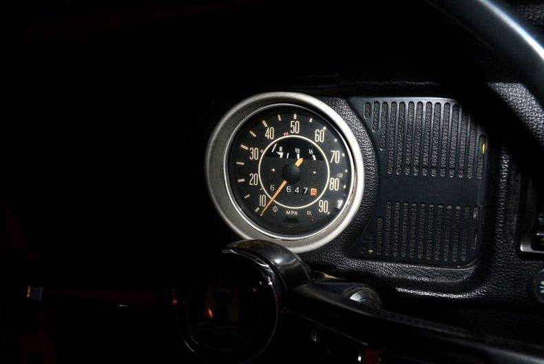 1971 Volkswagen Super Beetle Image 10
