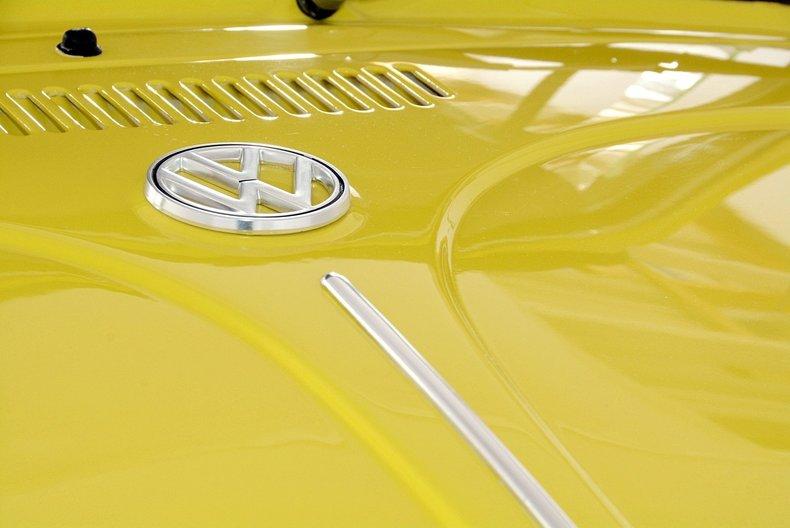 1971 Volkswagen Super Beetle Image 16