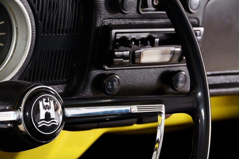 1971 Volkswagen Super Beetle Image 23