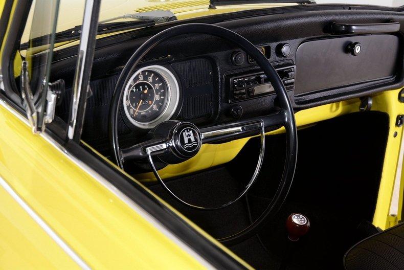 1971 Volkswagen Super Beetle Image 29
