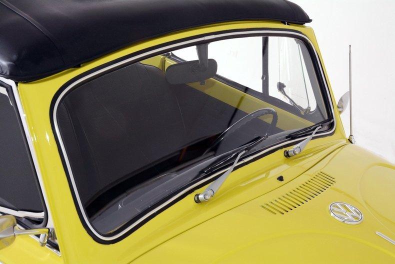 1971 Volkswagen Super Beetle Image 32