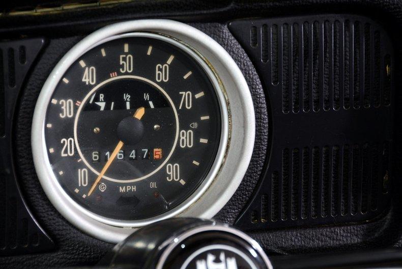 1971 Volkswagen Super Beetle Image 34