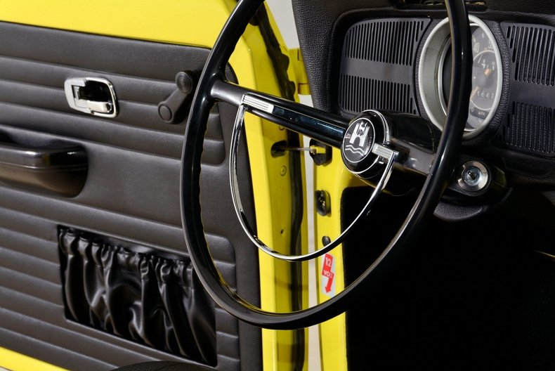 1971 Volkswagen Super Beetle Image 58
