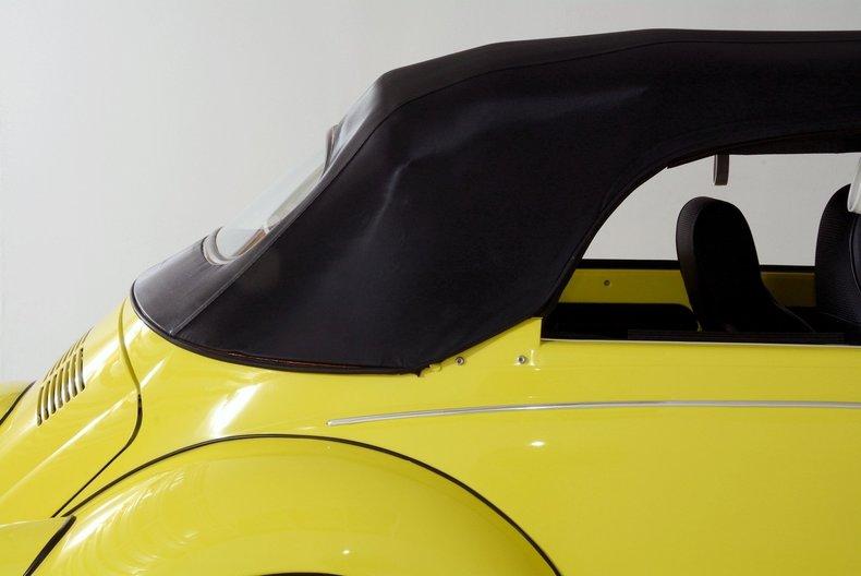 1971 Volkswagen Super Beetle Image 64