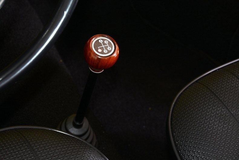 1971 Volkswagen Super Beetle Image 66