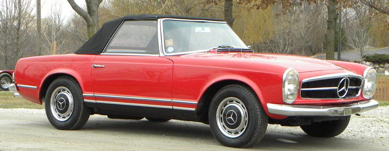 1965 Mercedes-Benz 230SL Image 2