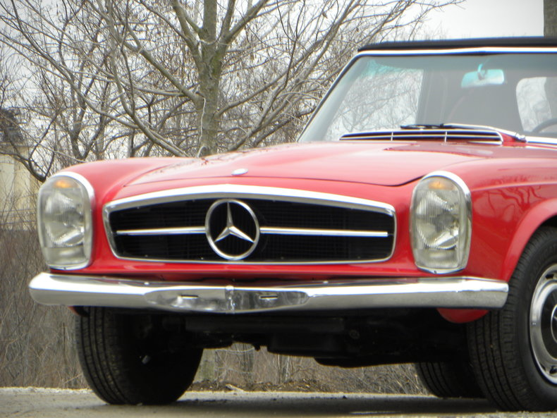 1965 Mercedes-Benz 230SL Image 6