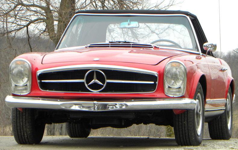 1965 Mercedes-Benz 230SL Image 7