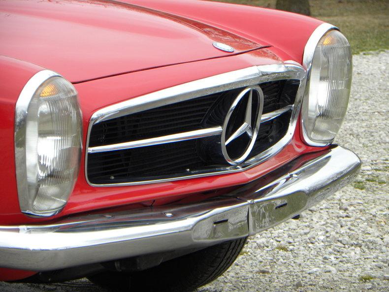 1965 Mercedes-Benz 230SL Image 15