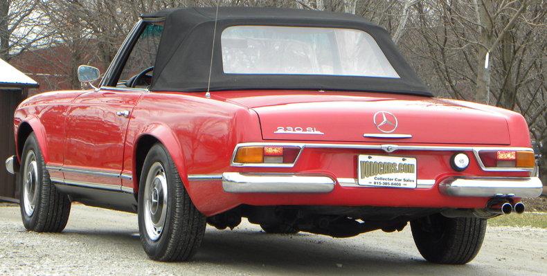 1965 Mercedes-Benz 230SL Image 20
