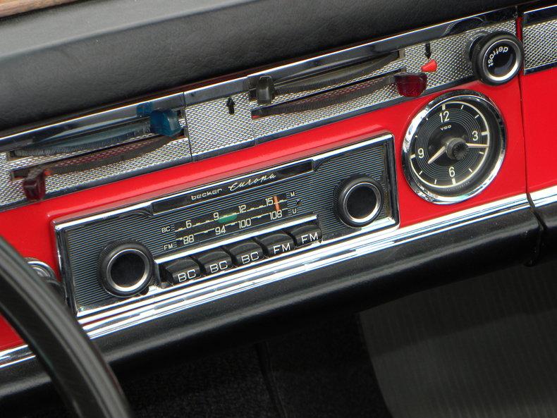 1965 Mercedes-Benz 230SL Image 41