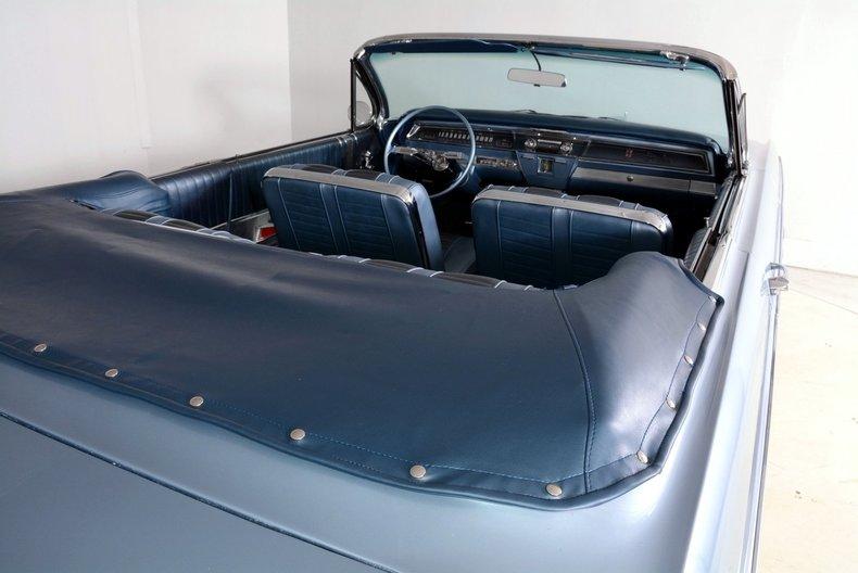 1962 Oldsmobile Starfire Image 6