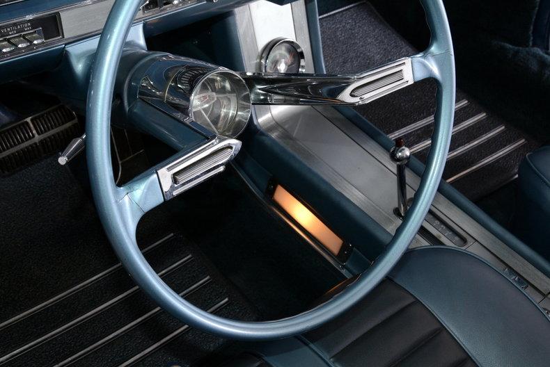 1962 Oldsmobile Starfire Image 10