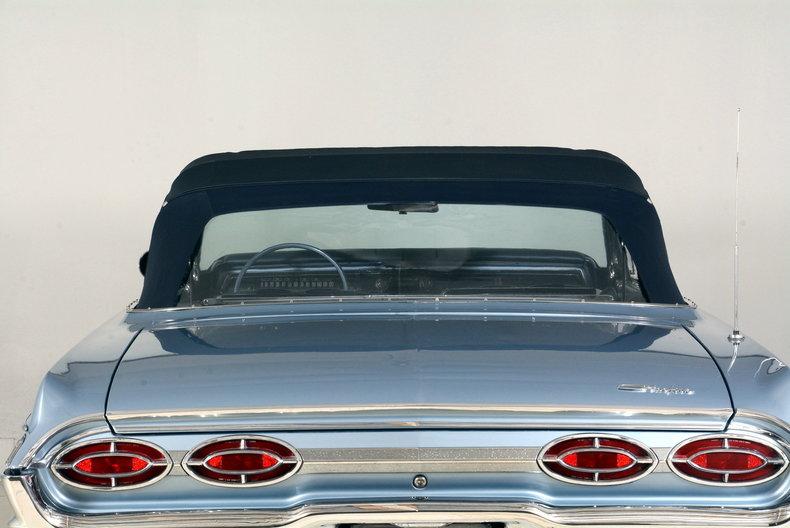 1962 Oldsmobile Starfire Image 11