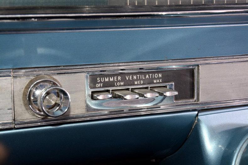 1962 Oldsmobile Starfire Image 26