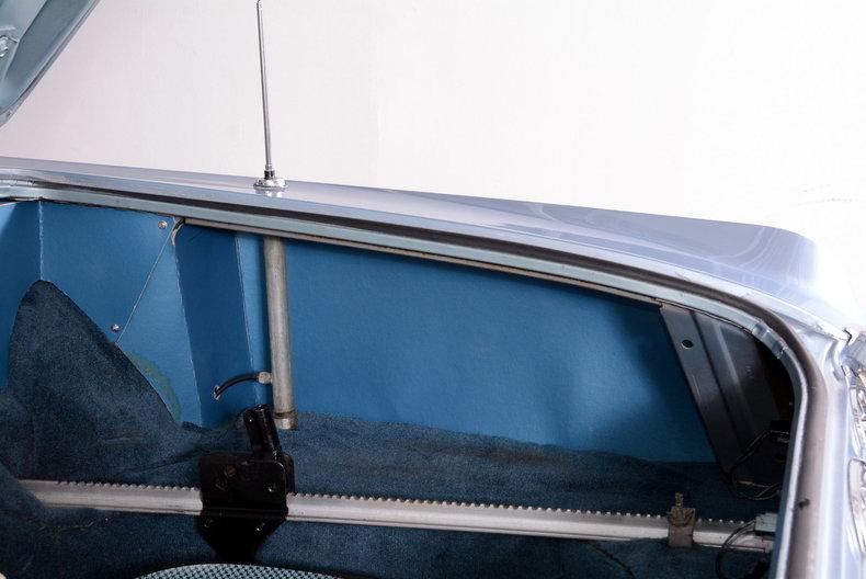 1962 Oldsmobile Starfire Image 32
