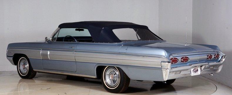 1962 Oldsmobile Starfire Image 33