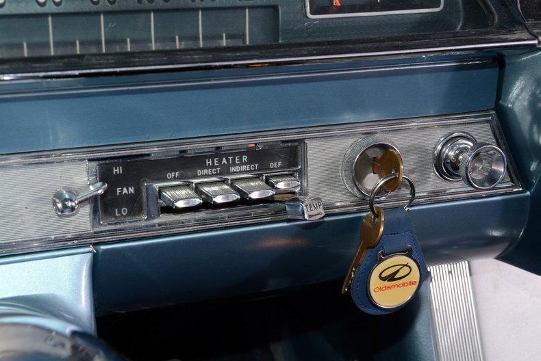1962 Oldsmobile Starfire Image 53