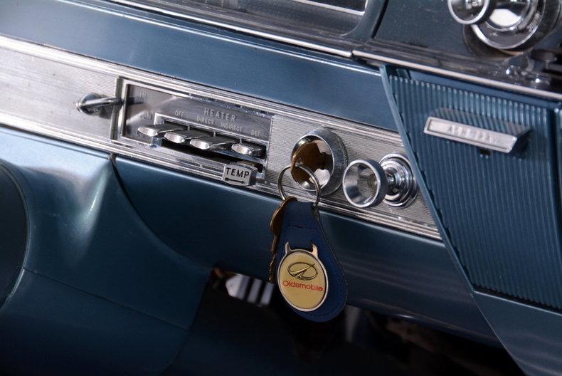 1962 Oldsmobile Starfire Image 59