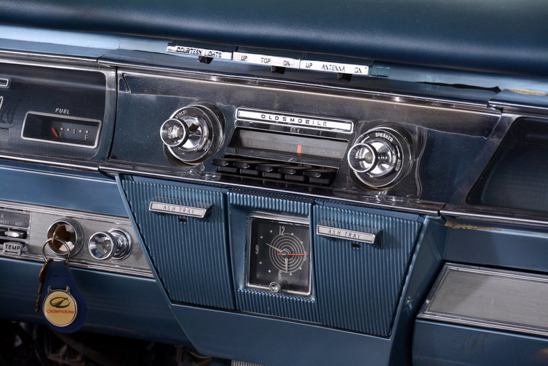 1962 Oldsmobile Starfire Image 74