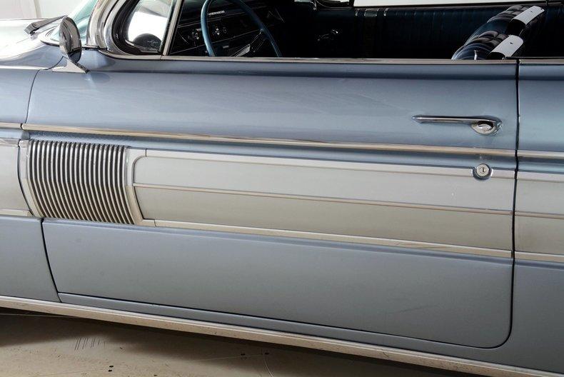 1962 Oldsmobile Starfire Image 83