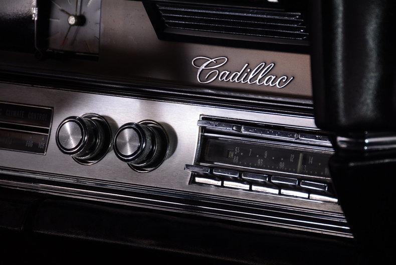 1967 Cadillac deVille Image 12