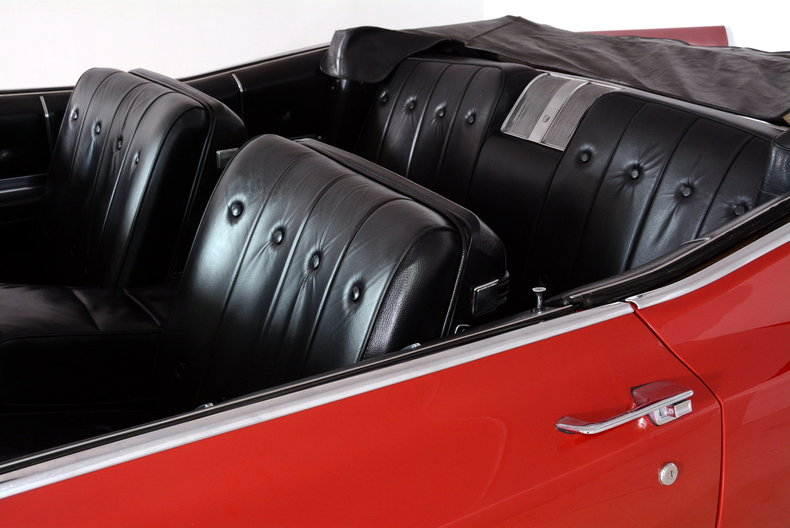 1967 Cadillac deVille Image 14
