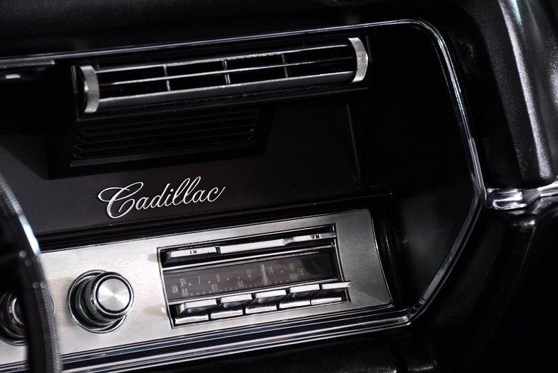 1967 Cadillac deVille Image 34